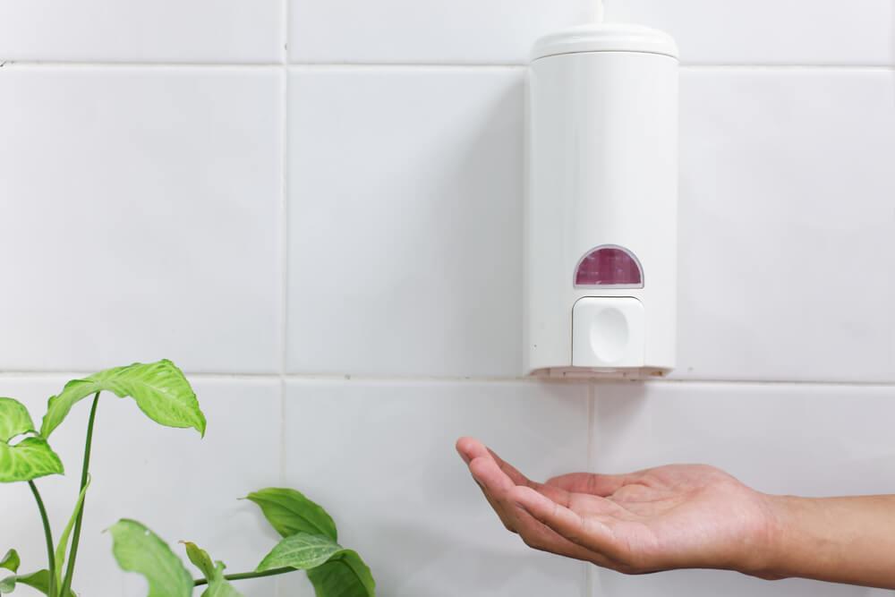 Tipos de dispensadores de jabón para el baño