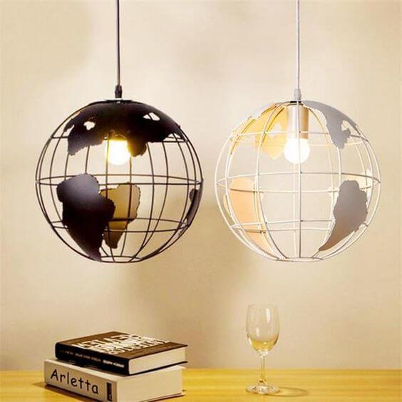 La bola del mundo como recurso decorativo para el hogar