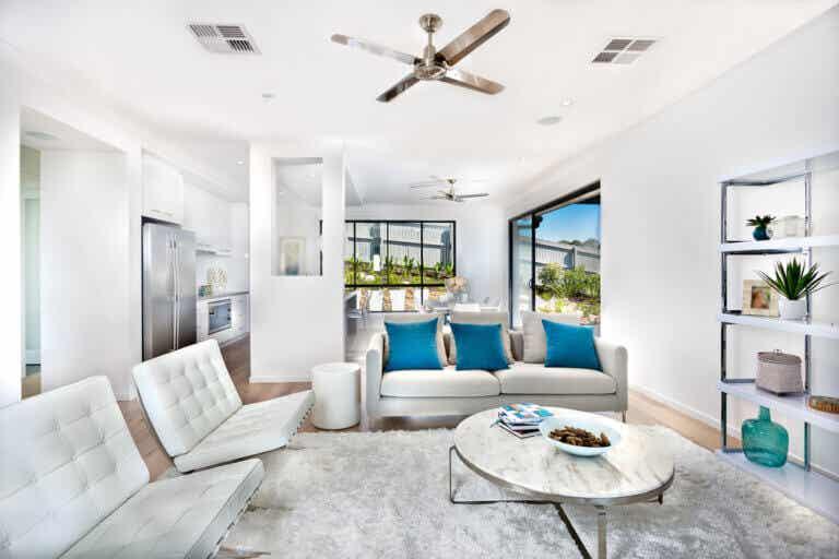 Un salón blanco y radiante
