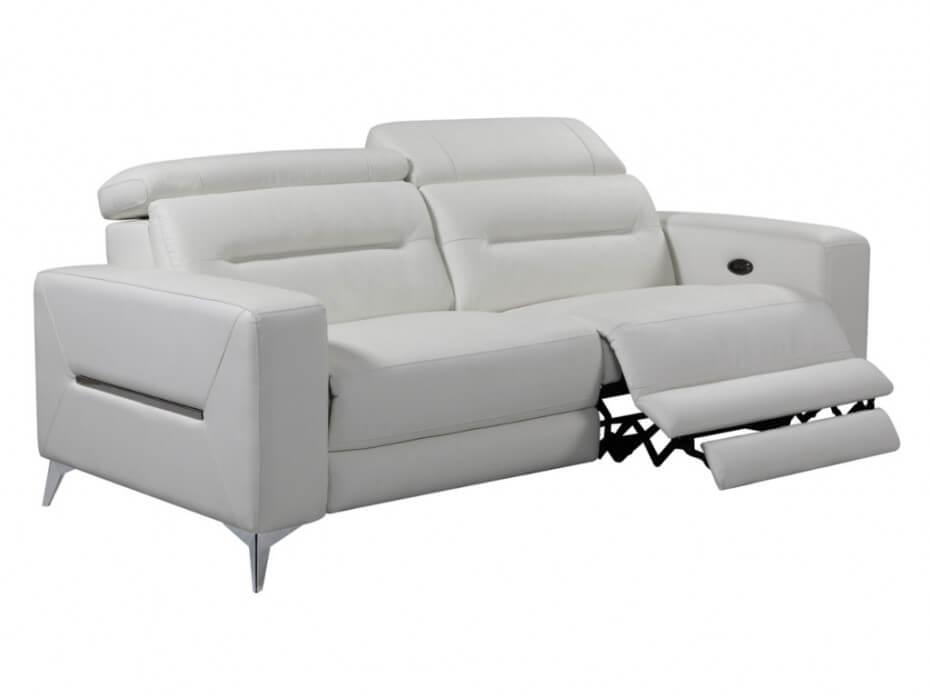 Elegir el sofá con reposapiés