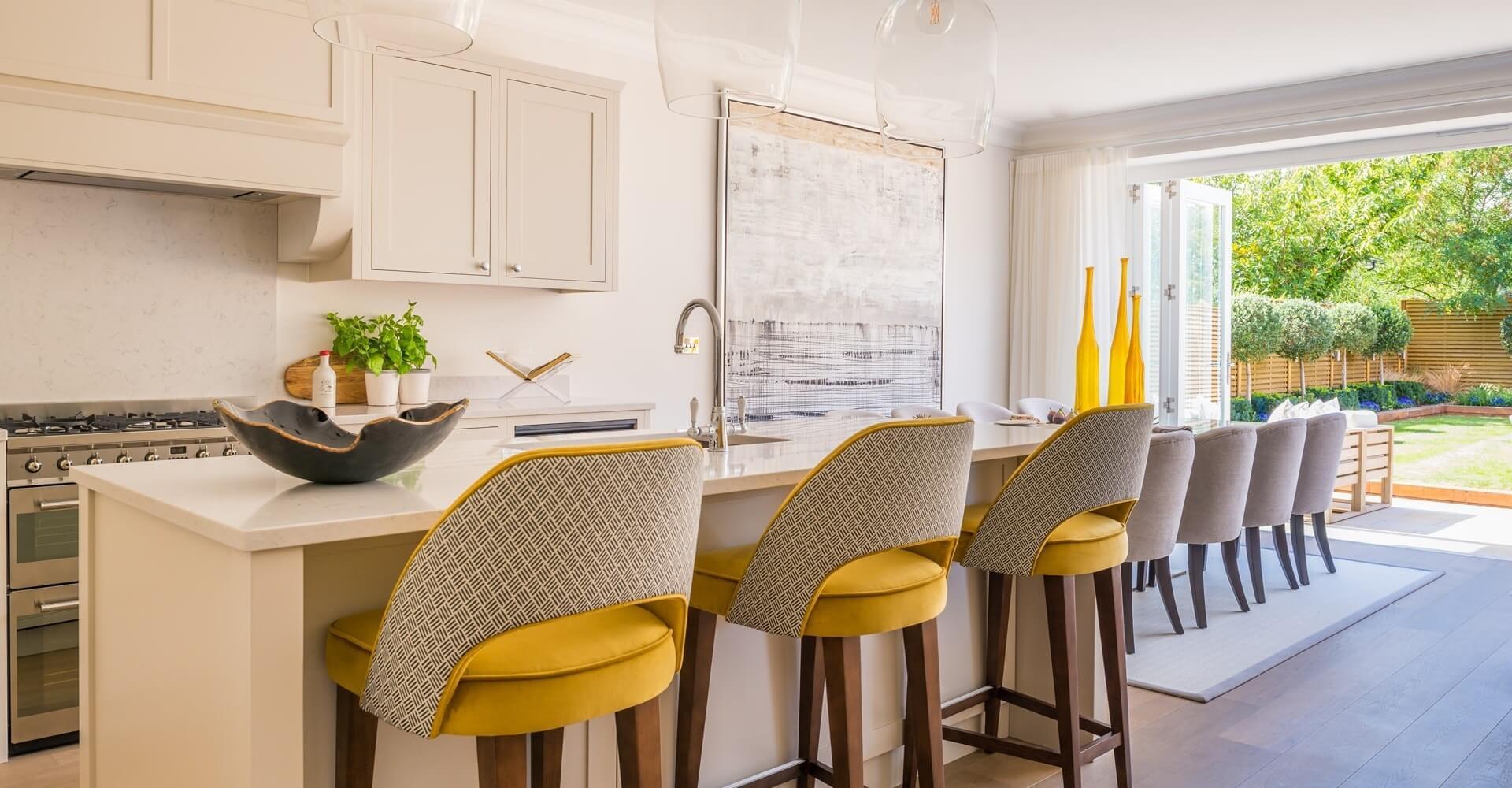 Uso del color: cocina en amarillo y beige