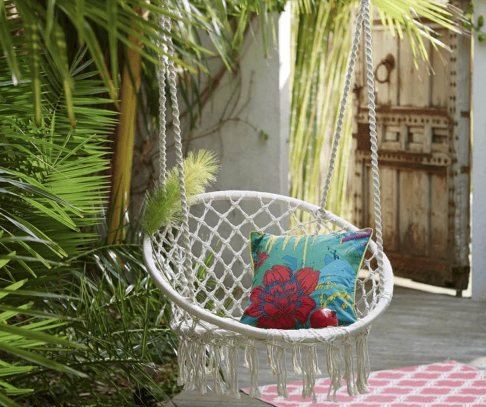 Las mejores sillas colgantes para una casa chic