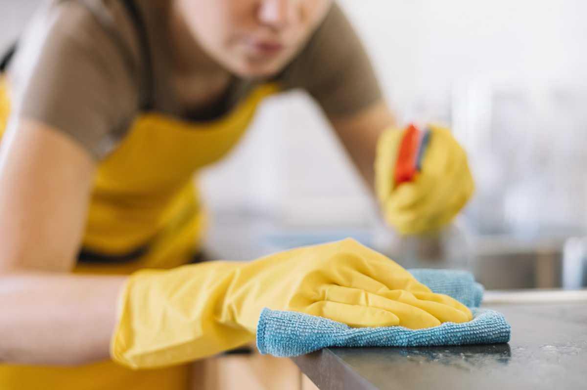 Los mejores productos para limpiar la encimera de la cocina
