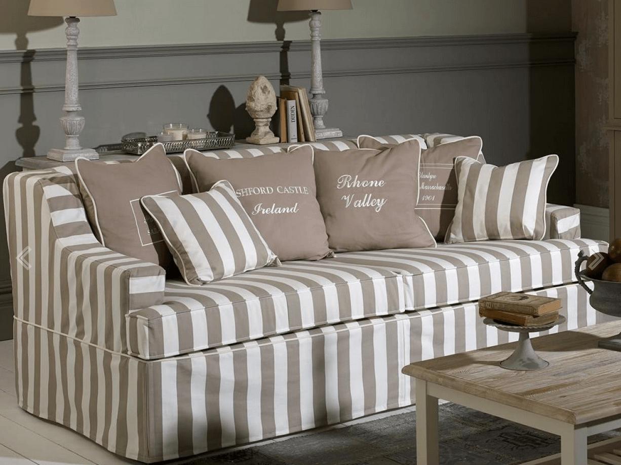Sofás de rayas para decorar el salón