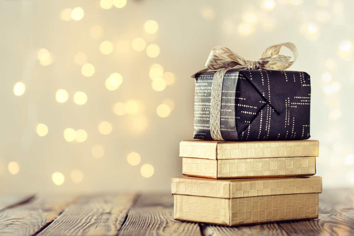 Reutilizar tus cajas de cartón como regalos