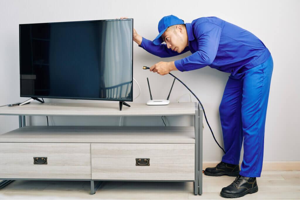 El peligro que conlleva el contacto de los cables con los muebles