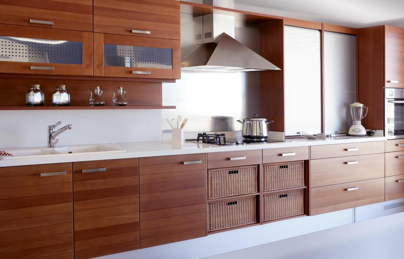 Muebles de madera en la cocina