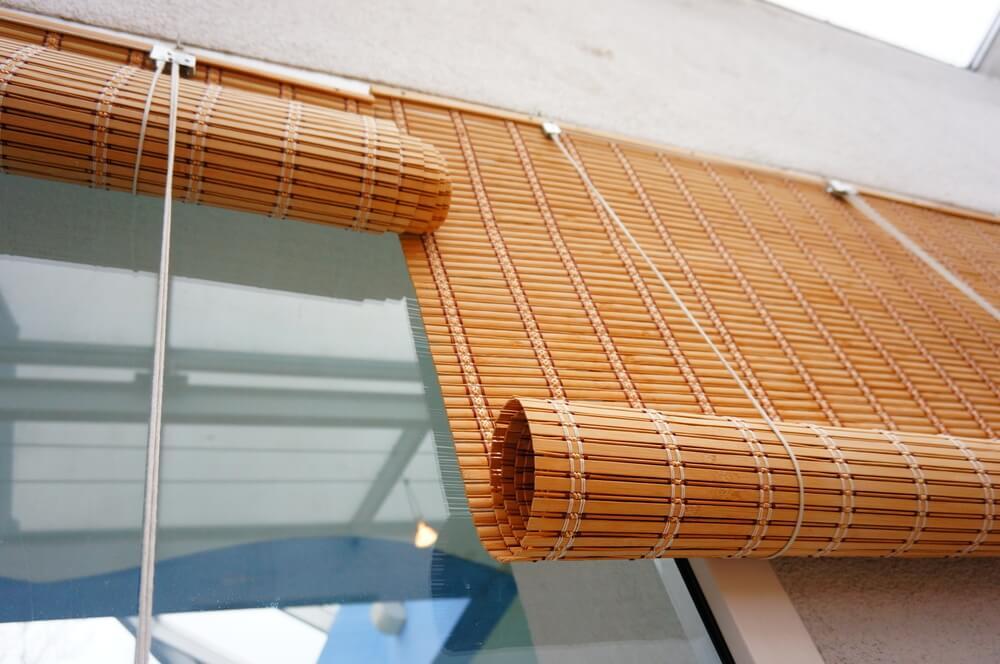 Tende a rullo in bambù: naturalismo e distinzione