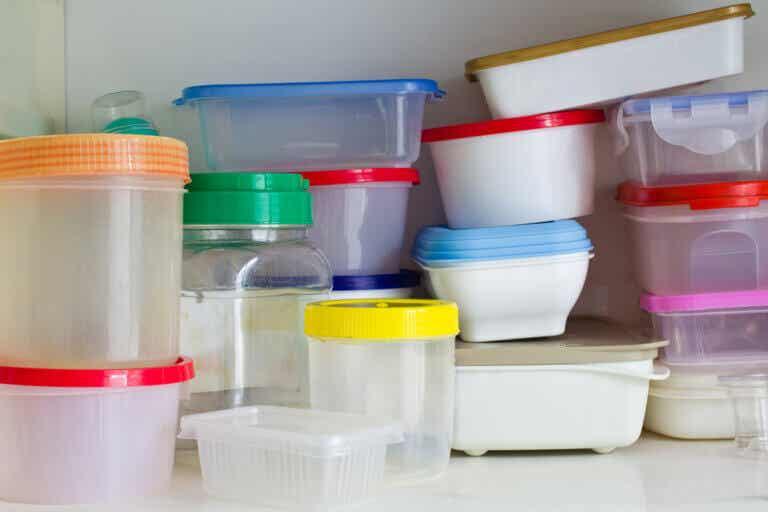 Ideas para limpiar y almacenar los táperes