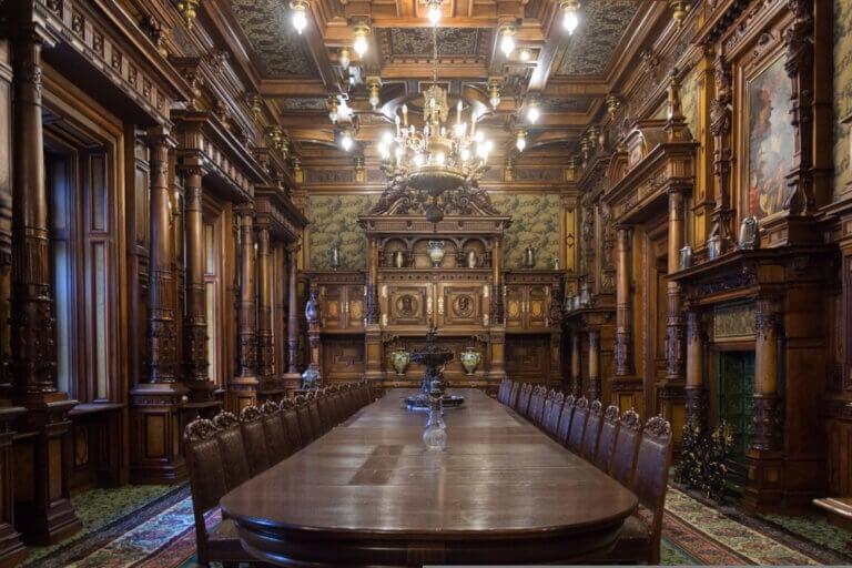 ¿Cómo era la decoración de interiores en los palacios medievales?