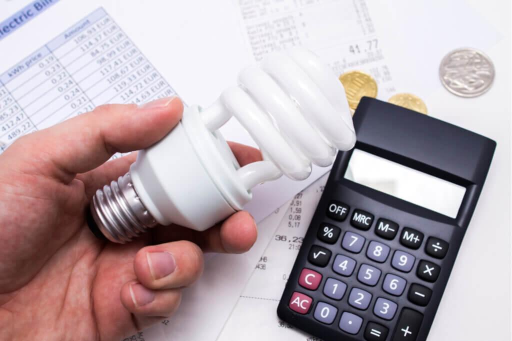 ¿Cómo ahorrar en la factura de la luz durante el invierno?