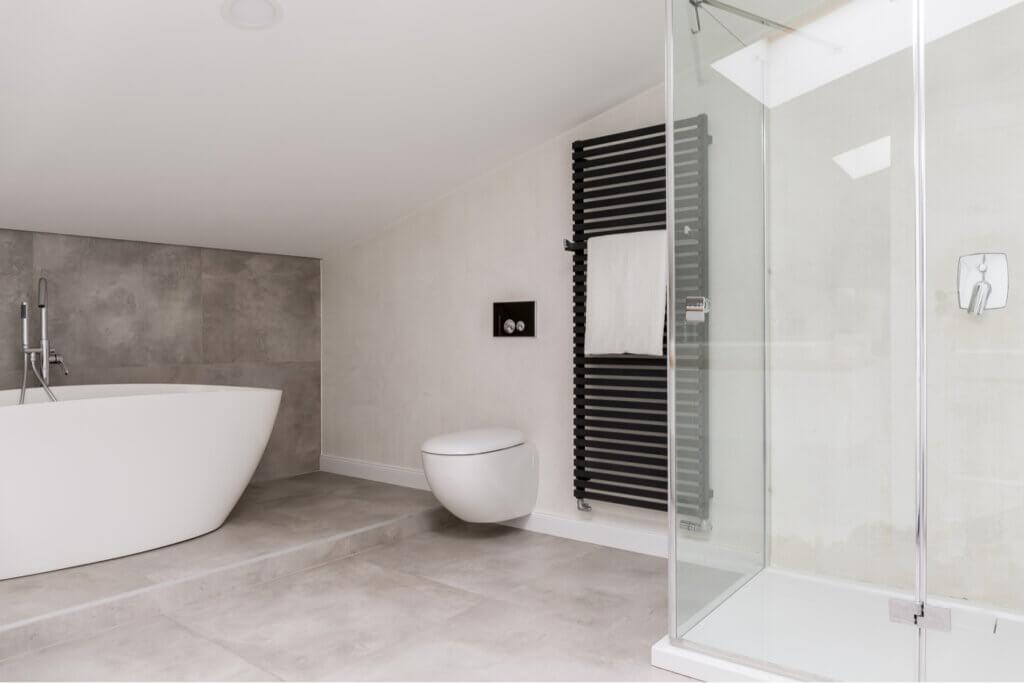 ¿Ducha o bañera en el baño?
