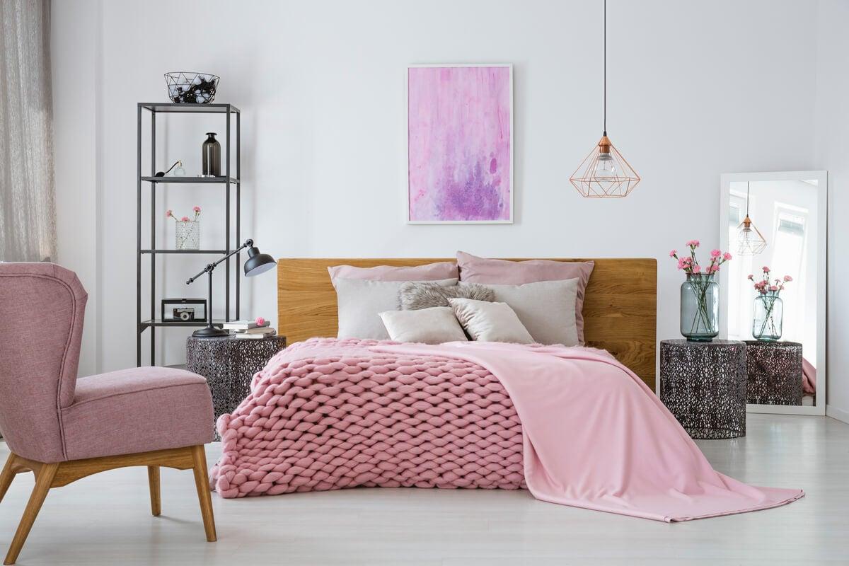 Pon tu dormitorio en modo invernal con estos consejos de decoración