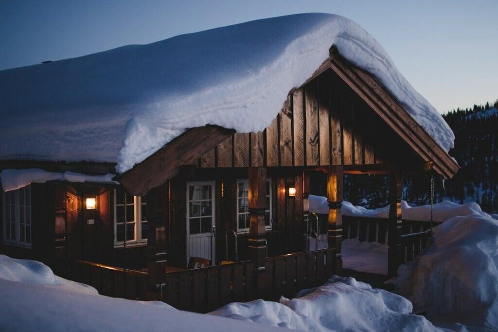 Cómo evitar la acumulación de nieve en el tejado