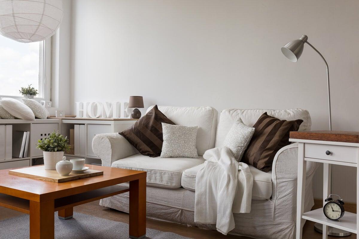Cómo elegir el sofá de un salón pequeño