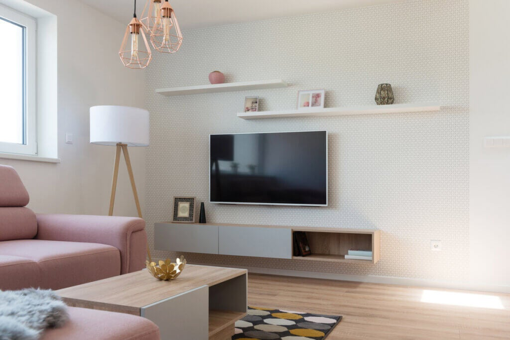 El televisor ¿con o sin mueble de apoyo?