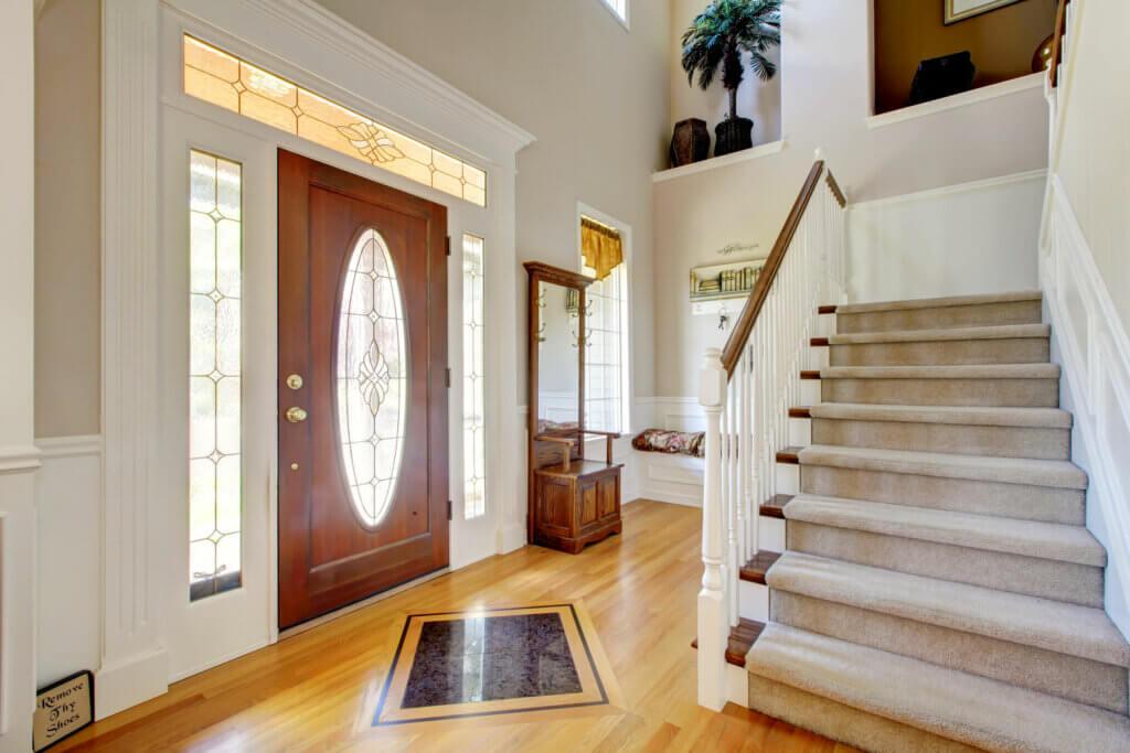 Cómo decorar unas escaleras sin morir en el intento