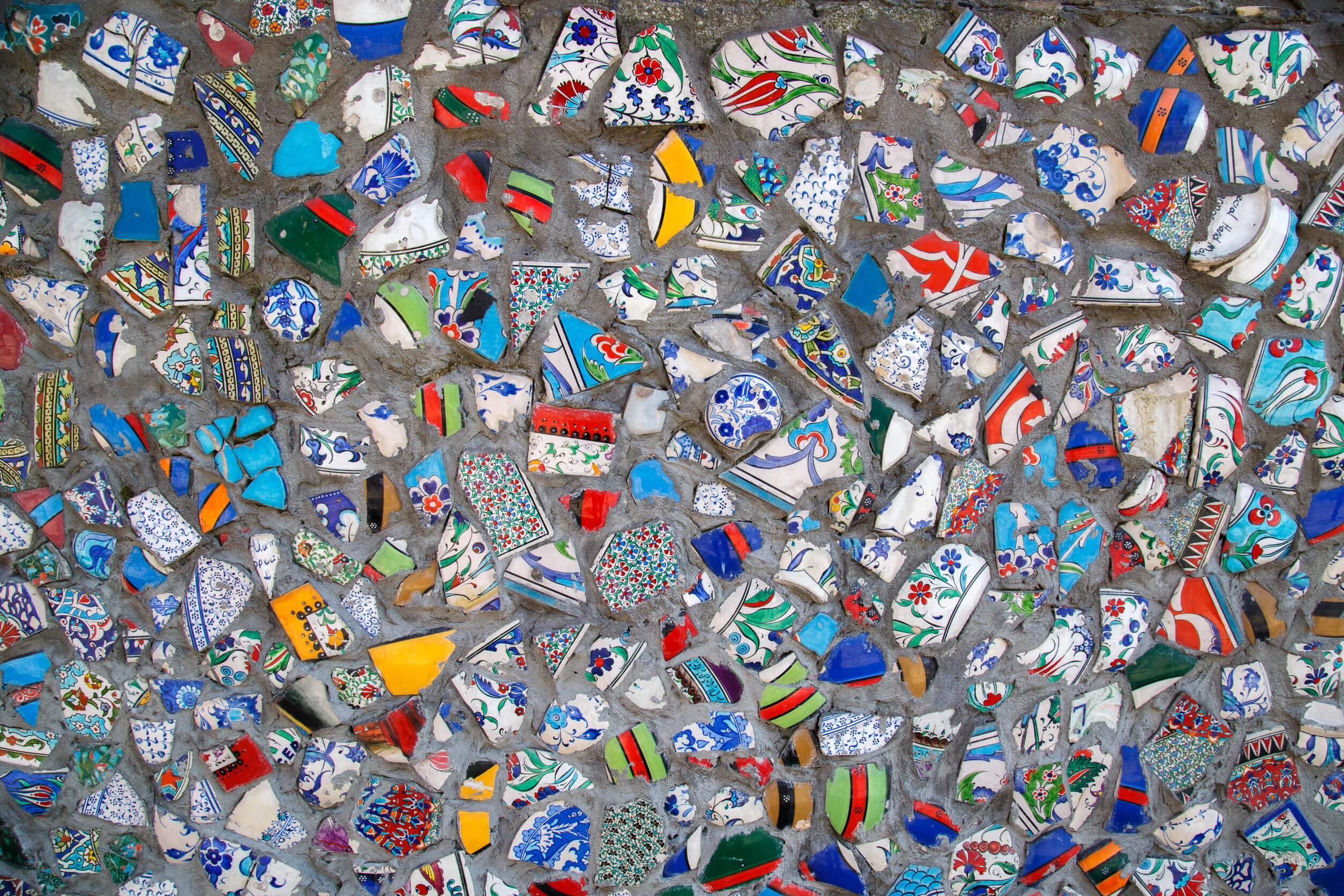 Mural de platos rotos