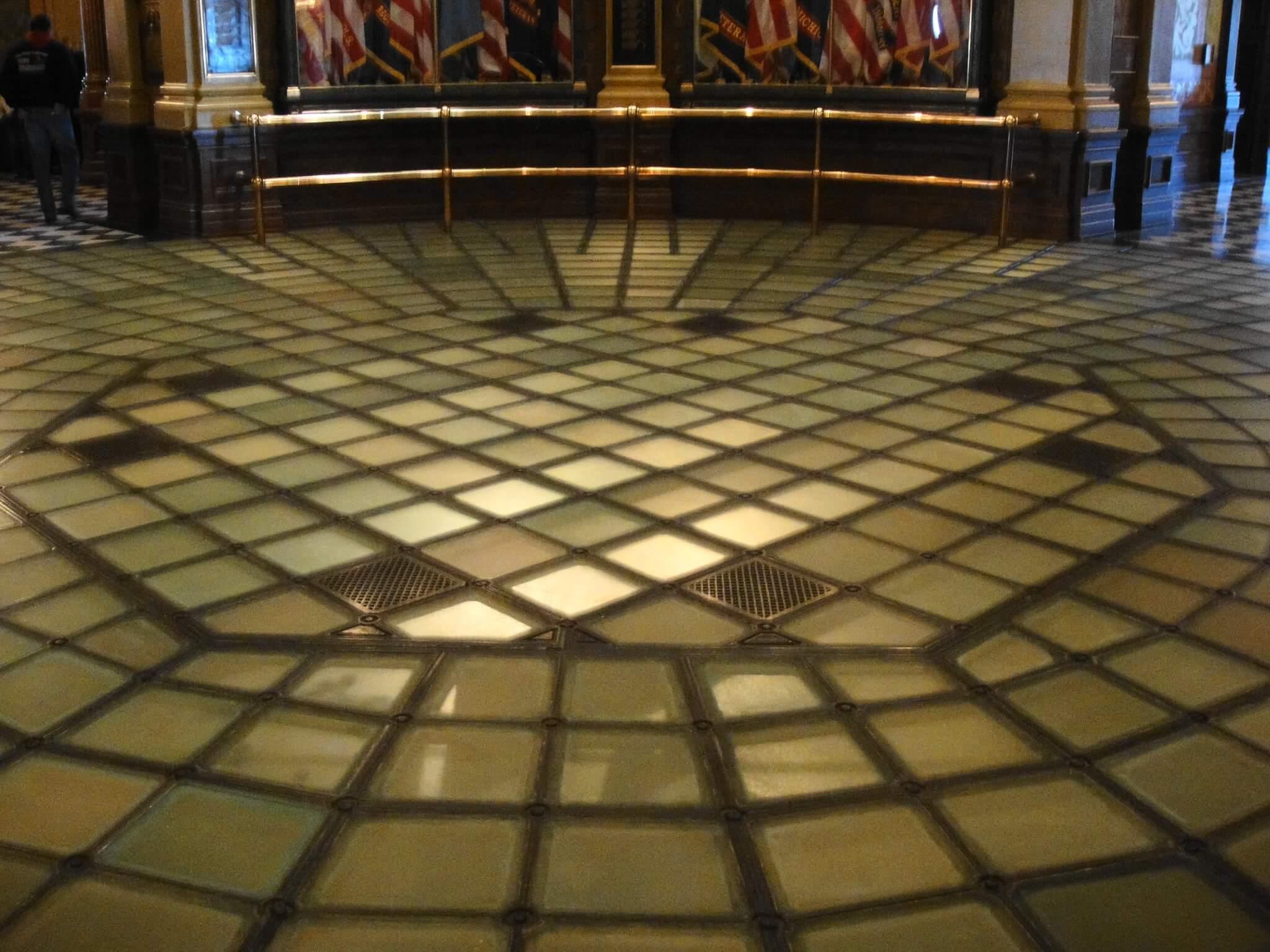 Suelos transparentes de vidrio: innovación y modernidad