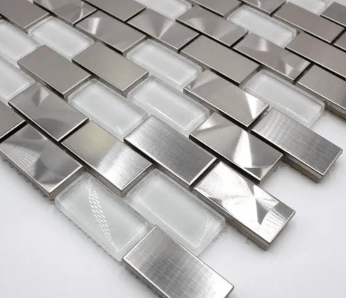 Stainless steel tiles: innovation and avant-garde