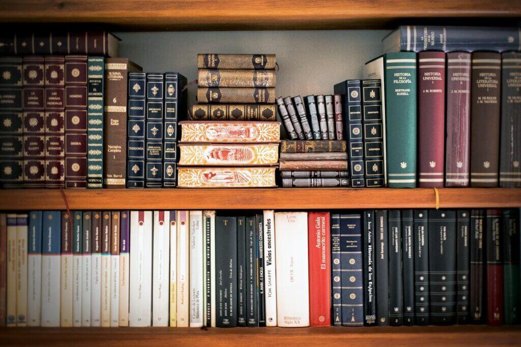 ¿Adicto a la lectura? Mira estos trucos para poner en orden tus libros