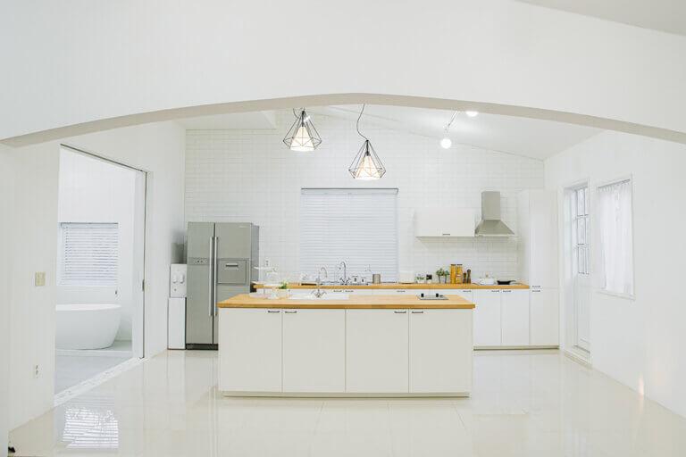 Ideas decorativas para cocinas blancas