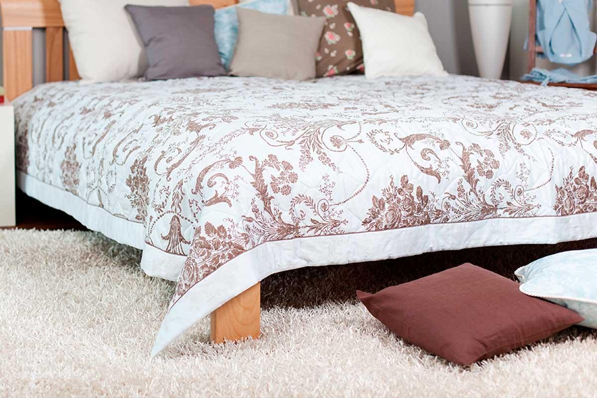 Instala una alfombra en tu dormitorio y hazlo más acogedor.