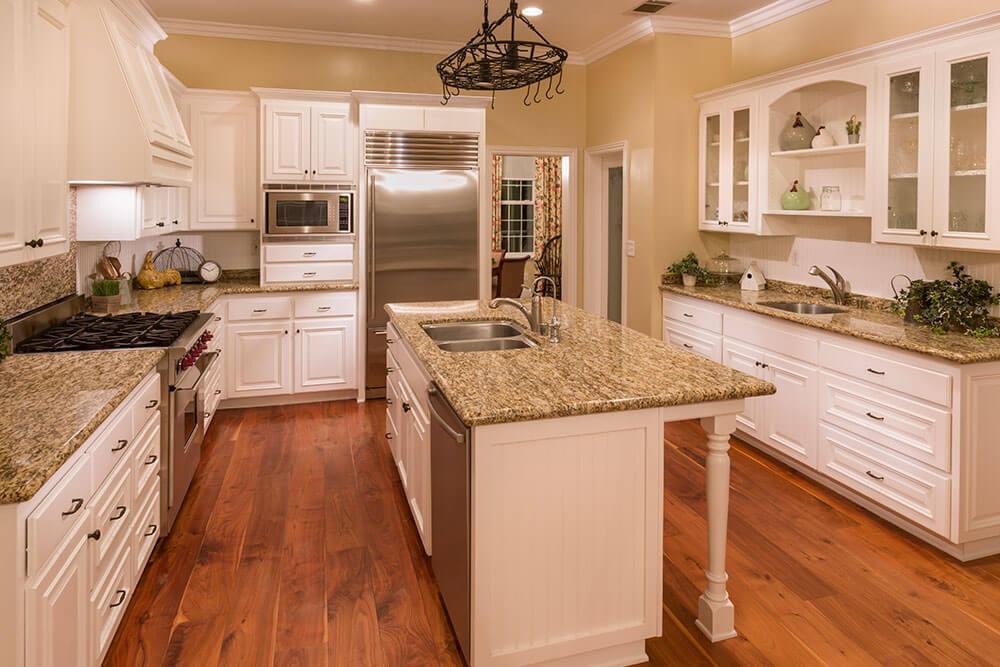 El terrazo puede usarse en múltiples espacios de la cocina.