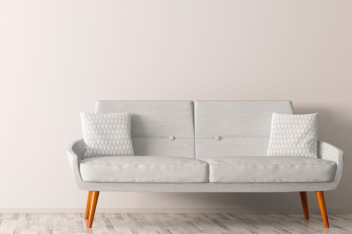 Para acertar en la compra del sofá, elige una estructura de buena madera.