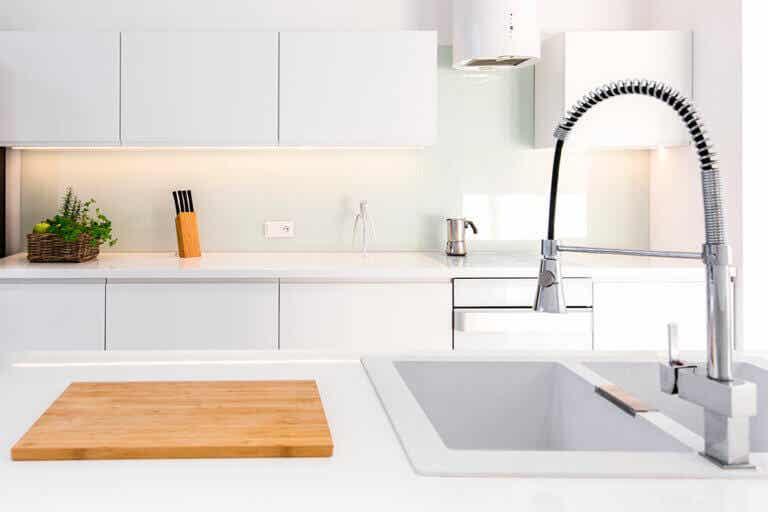 Cocina o baño, ¿dónde hay más gérmenes?