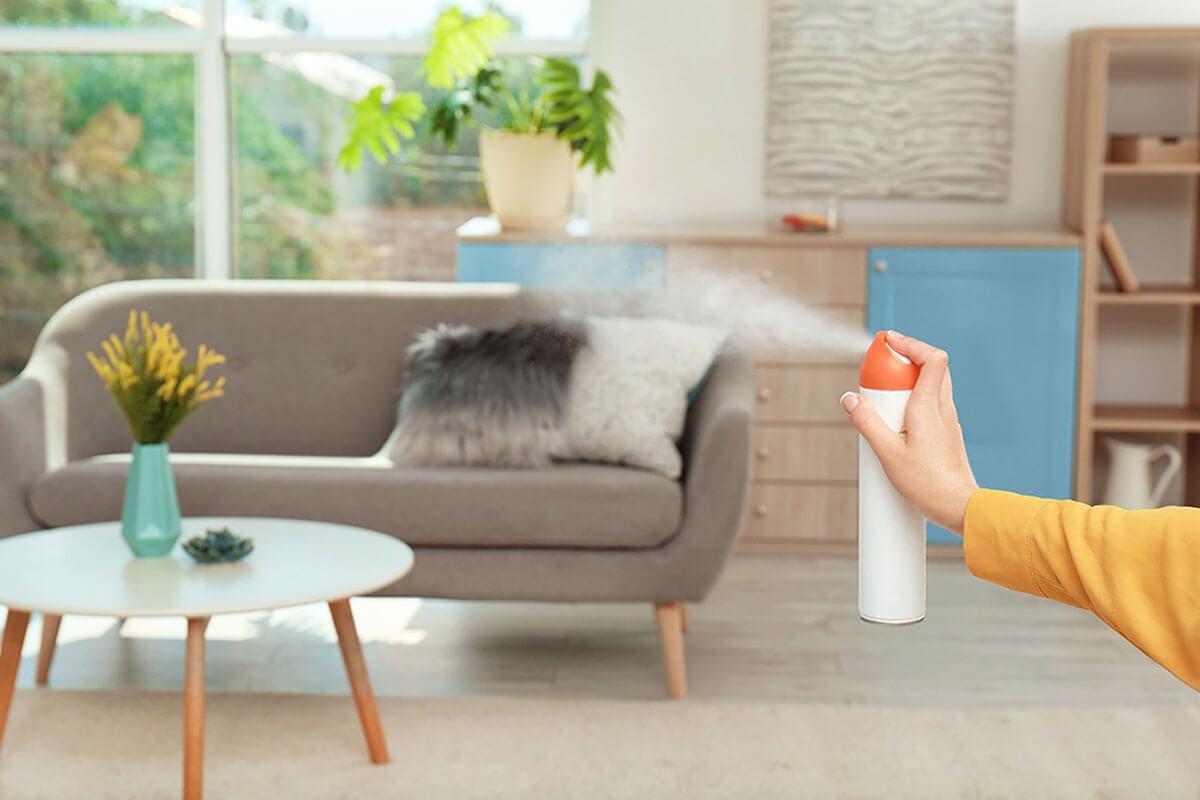 Los aerosoles esparcen la fragancia cuando los accionas.