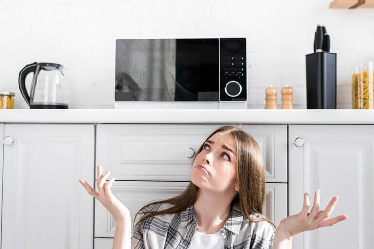 Microondas en la cocina: 6 ideas de dónde ponerlo