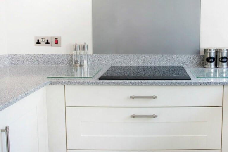 ¿Cómo cuidar la encimera de la cocina?