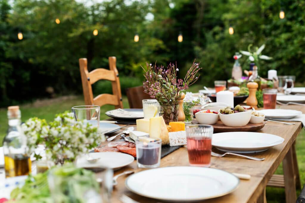 Cómo decorar la mesa para el verano