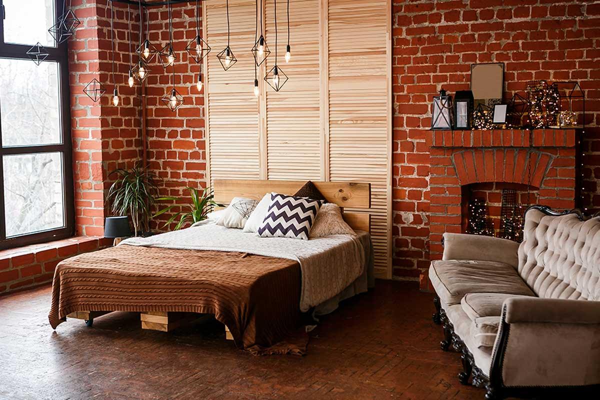 Dormitorio con chimenea.