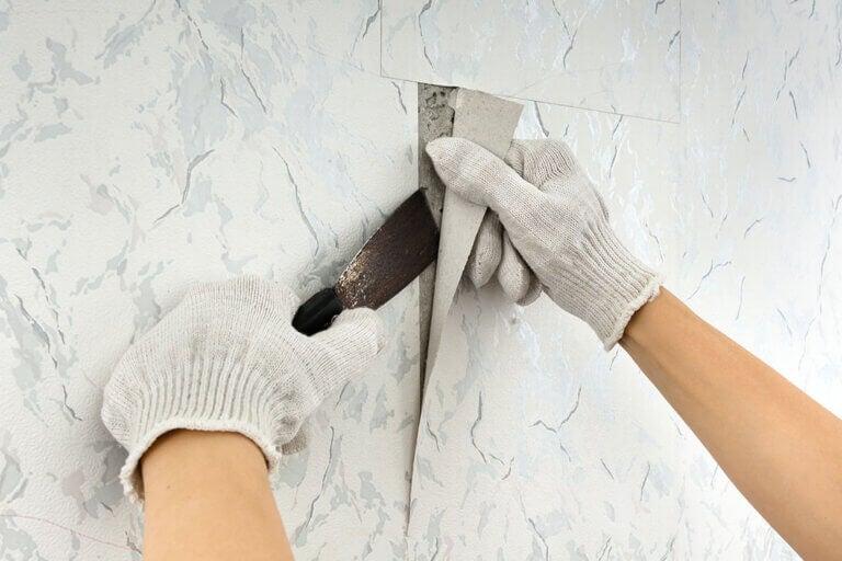 Quitar el papel pintado: 4 métodos