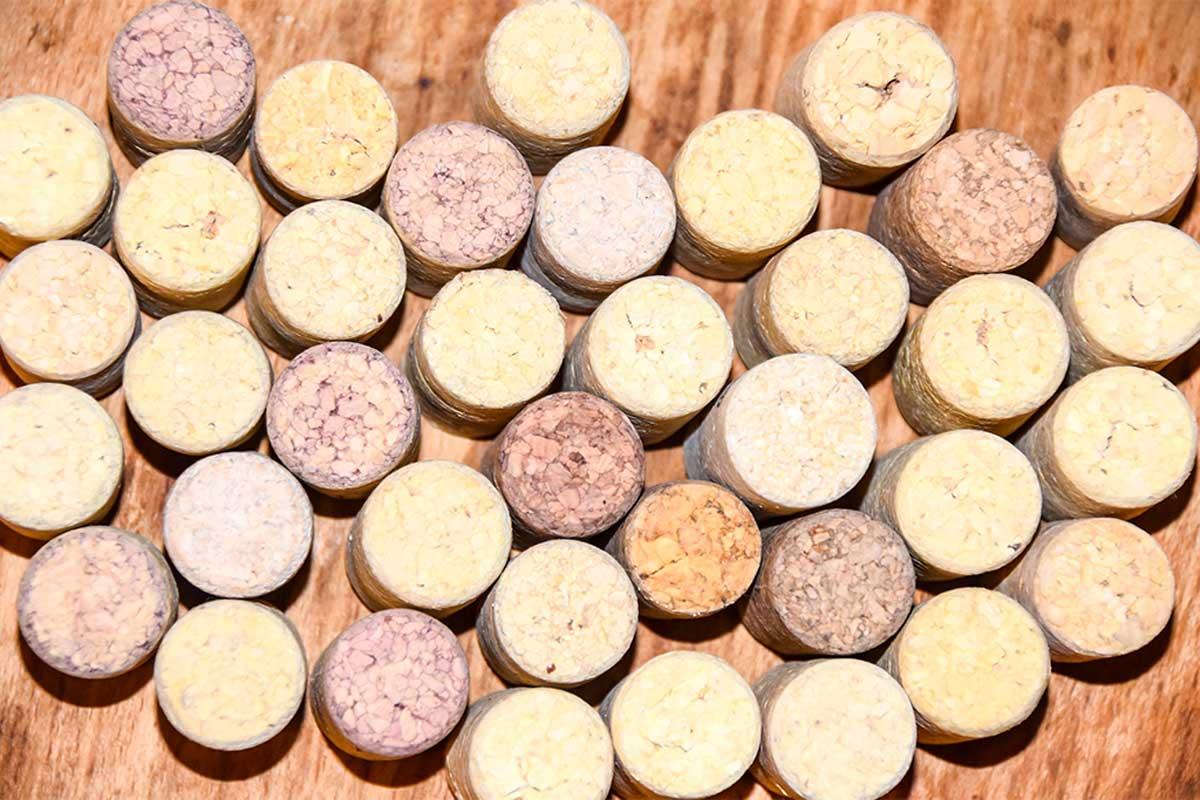 Salvamanteles de corchos de vino.