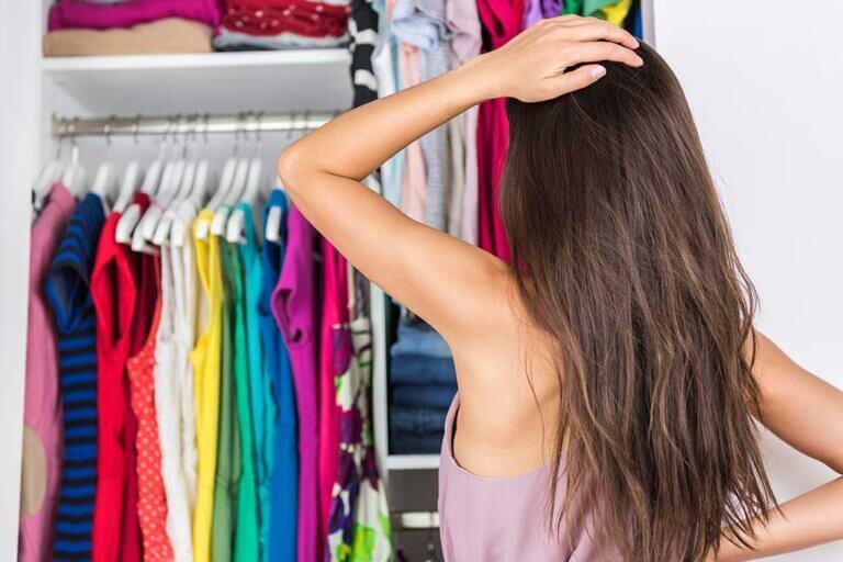 ¿Cómo organizar un armario pequeño?