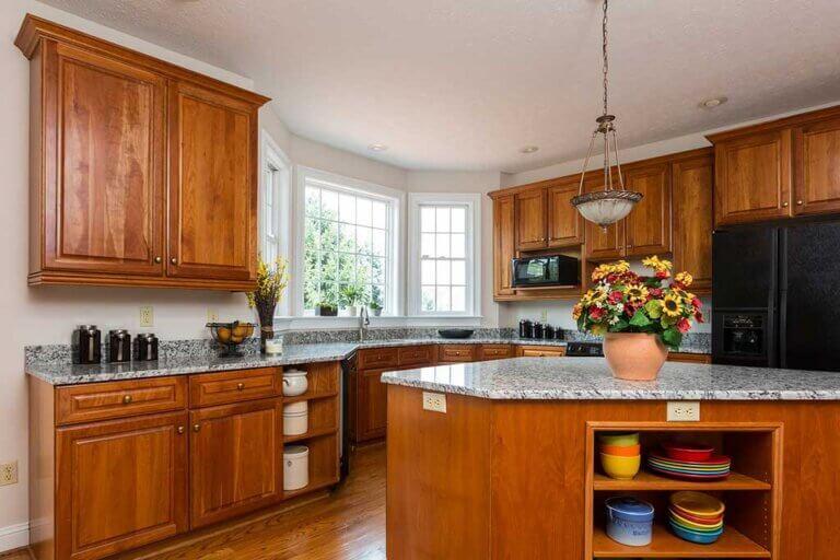 Pintar gabinetes de cocina: cómo y de qué colores