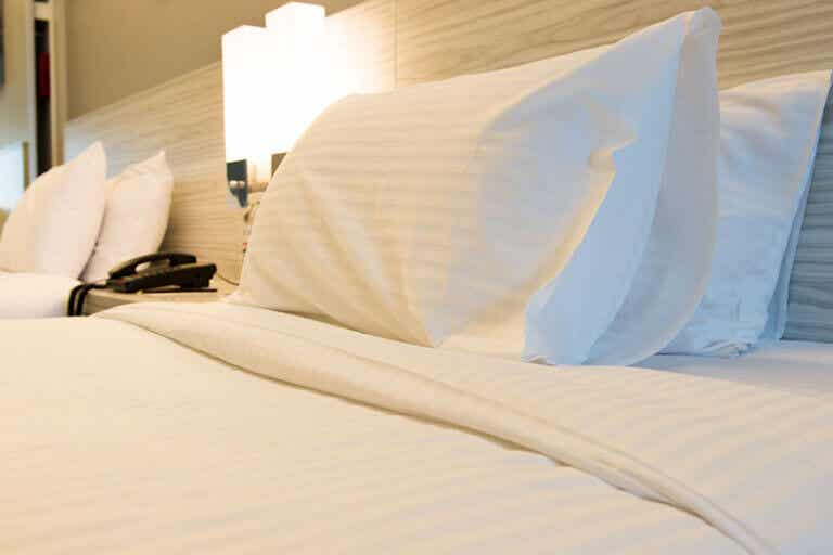 ¿Cómo tener una cama de hotel en casa?