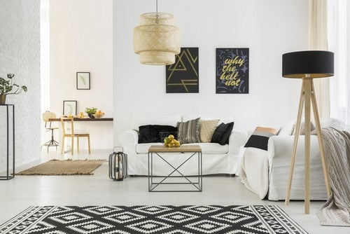 Come fare per far sembrare più grande il vostro salotto?
