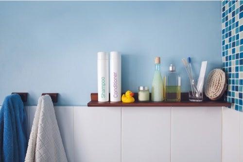 Porta asciugamani fai-da-te: 5 idee facili per il vostro bagno