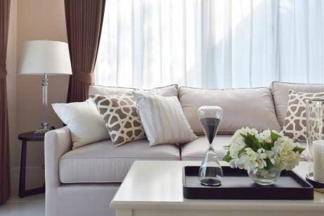 Simmetria cuscini divano