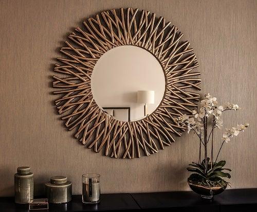 4 idee per arredare con gli specchi a forma di sole