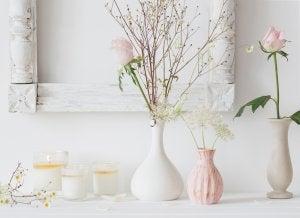 vasi varia grandezza con fiori