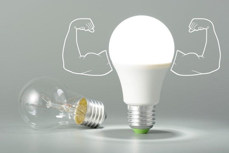 paragone lampadina led con tradizionale