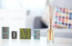 Bottiglie di vetro per decorare la casa
