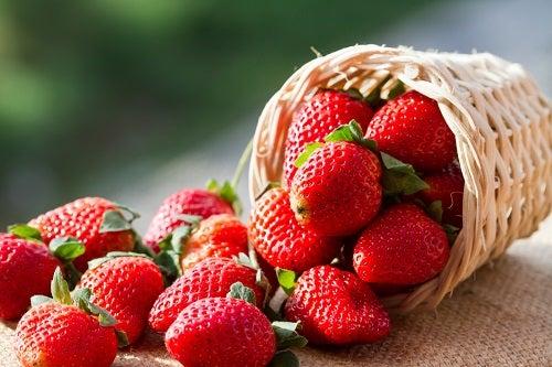 Come coltivare le fragole sul balcone o sulla finestra