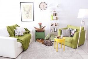 idee per ricavare due ambienti dal salotto