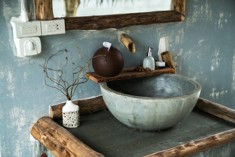 Consolle bagno in cemento con elementi in legno